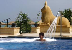 المسبح في Stella Di Mare Golf Hotel أو بالجوار