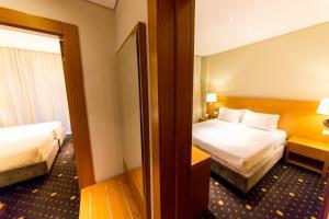 A bathroom at Hotel Agimi