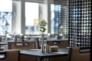 En restaurant eller et andet spisested på The Square