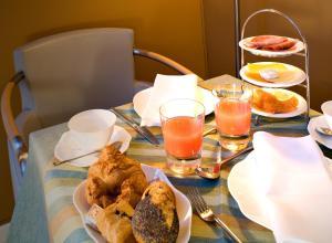 Frühstücksoptionen für Gäste der Unterkunft Hotel Parc Beaux Arts