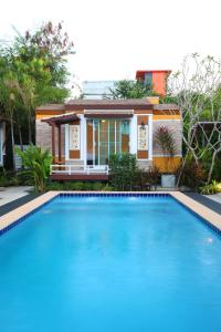 The swimming pool at or close to Resort M Bangkok - BTS Onnut