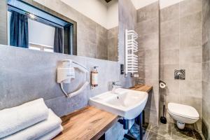 A bathroom at Rint32