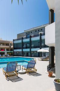 The swimming pool at or near Yacinthos