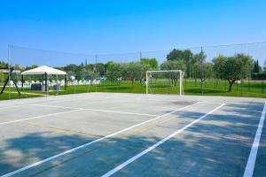 Attività di tennis o squash presso l'appartamento o nelle vicinanze