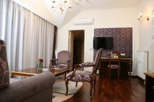 A seating area at Hotel Villa Viktorija