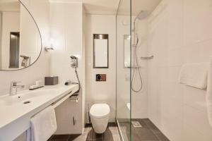 A bathroom at Carlton Square Hotel