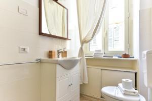 A bathroom at Trastevere Queen