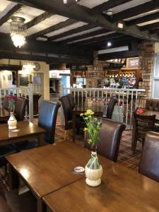 A restaurant or other place to eat at The Brewers Arms