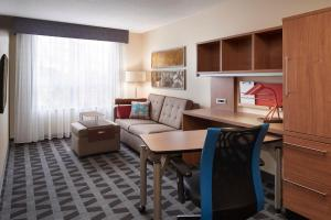 A seating area at TownePlace Suites by Marriott Fort McMurray
