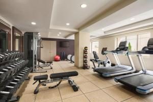 The fitness centre and/or fitness facilities at Hilton Checkers Los Angeles