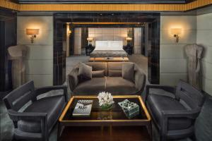 A seating area at Fairmont Nile City