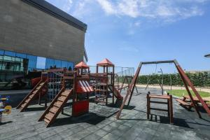 Parquinho infantil em SHANI Hotel & Villas