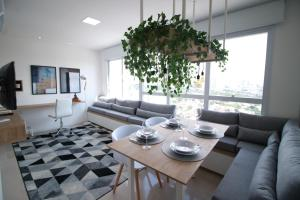 A seating area at Flat Metropolitan Smart Style