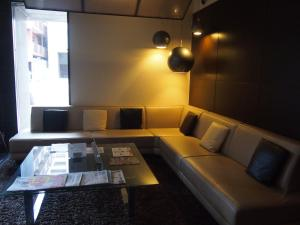 A seating area at Hotel Sunflex Kagoshima