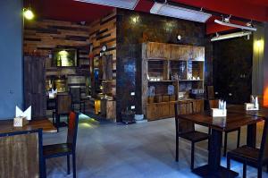 Un restaurant u otro lugar para comer en Hotel Jardines de Uyuni
