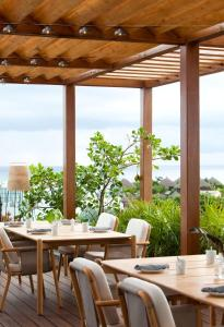 A restaurant or other place to eat at Thompson Playa del Carmen - Adults Only