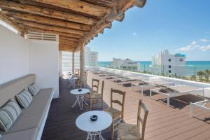 A balcony or terrace at HM Balanguera Beach - Adults Only