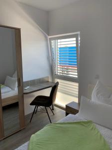 Ein Bett oder Betten in einem Zimmer der Unterkunft TWT Motel