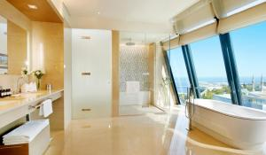 A bathroom at Fairmont Baku, Flame Towers
