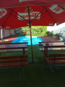 Bazén v ubytovaní Penzionhanarobo alebo v jeho blízkosti