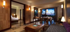 A restaurant or other place to eat at Sun Island Hotel & Spa Kuta