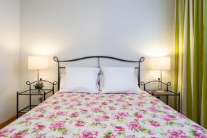 Cama o camas de una habitación en Apartamentos Turísticos Real Valle Ezcaray