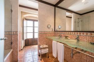 A bathroom at Hospes Palacio de San Esteban