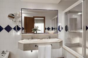 Un baño de Be Live Experience Orotava