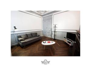 Coin salon dans l'établissement La Suite Appartement Poitiers (Wifi)