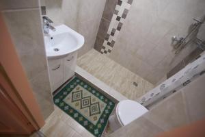 A bathroom at Valea Stâncii