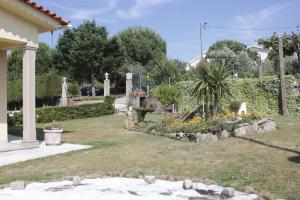 A garden outside Quartos em vivenda serra da Estrela