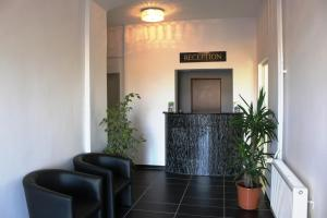 The lobby or reception area at Elbe's Hotel Dresden