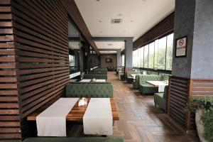 A restaurant or other place to eat at Fimar Life Thermal Resort Hotel