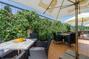 Reštaurácia alebo iné gastronomické zariadenie v ubytovaní Sofia Boutique Hotel