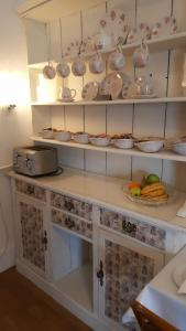 A kitchen or kitchenette at Colebrook Guest House