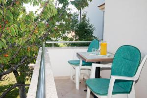 A balcony or terrace at Apartment Zvone