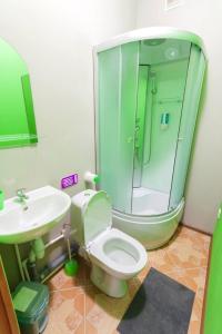 A bathroom at WikiHostel