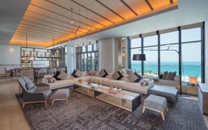 Гостиная зона в Caesars Palace Bluewaters Dubai
