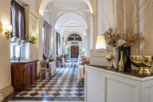 The lobby or reception area at VOI Donna Camilla Savelli Hotel