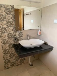 A bathroom at Gyaslang Guesthouse