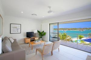 A seating area at Noosa Shores Resort