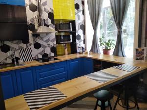 Кухня или мини-кухня в Leon