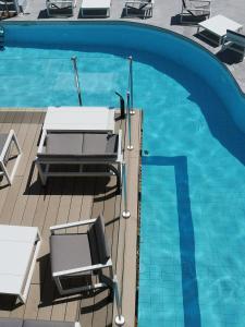 Piscine de l'établissement Le Diana Hôtel & Spa NUXE ou située à proximité