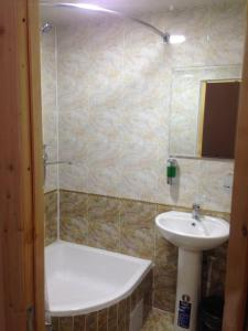 A bathroom at PARVIZ GUEST HOUSE