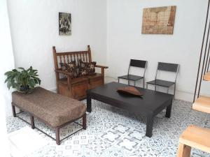 A seating area at Casa-Arbol