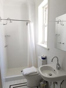 A bathroom at The Hughenden Boutique Hotel