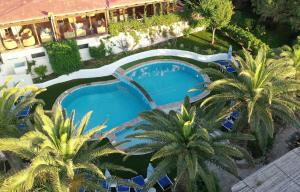 A view of the pool at La Jacia Hotel & Resort or nearby