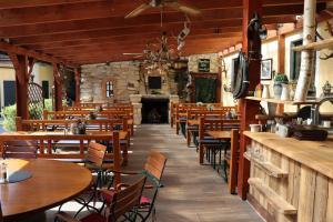 Ein Restaurant oder anderes Speiselokal in der Unterkunft Landsteakhaus