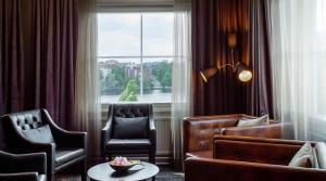 Гостиная зона в Original Sokos Hotel Vaakuna Hämeenlinna