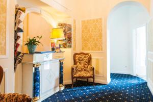 The lobby or reception area at Hotel BELLEVUE am Kurfürstendamm